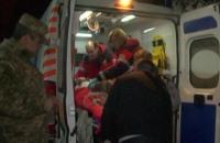 Самолет с ранеными бойцами АТО из-за непогоды не долетел до Львова и сел в Виннице