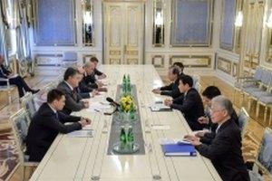 Порошенко пригласил Японию восстанавливать Донбасс