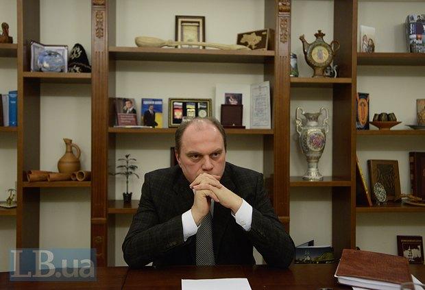 С момента перезагрузки Кабмина прошло уже больше месяца, но кресло министра культуры все еще пустует. Экс-министр Михаил Кулиняк признается, что находится в подвешенном состоянии