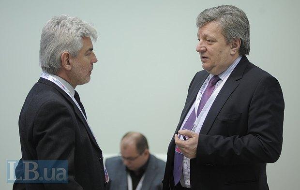 Виктор Матчук(слева) и Роман Шпек, член Совета Нацбанка, старший советник <<Альфа-банка>>