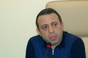 Корбана доставили в Новозаводский суд Чернигова