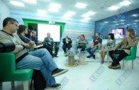 Организатор встречи Азарова с блогерами недовольна реакцией журналистов