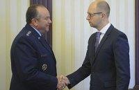 Яценюк встретился с командующим армией США в Европе