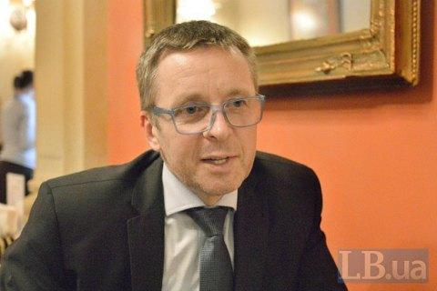 Украине нужна реформа пенсионной системы издравоохранения,— Порошенко