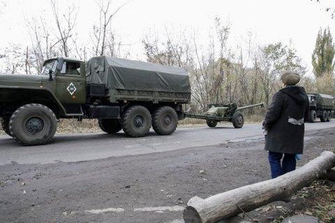 Задень бойовики 17 разів обстріляли позиції сил АТО