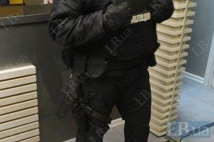 "Силовики захватили редакции ""Цензор.нет"" и ""Вечерних вестей"""