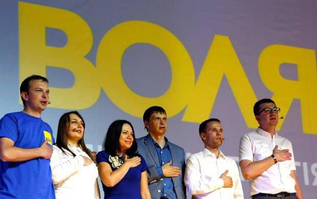 Слева направо: Егор Соболев, Ольга Сытник, Виктория Сюмар, Сергей Таран, Юрий Деревянко, Сергей Иванов