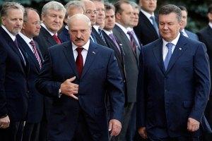 Лукашенко просит у Януковича специалистов-атомщиков