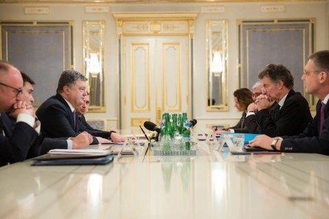 ВУкраїну прибули посланці Меркель і Олланда