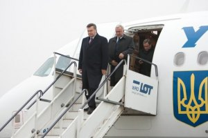 Янукович поехал к донецким металлургам и Береговому