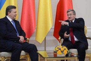 Коморовский не считает нужным быть посредником между Януковичем и Тимошенко