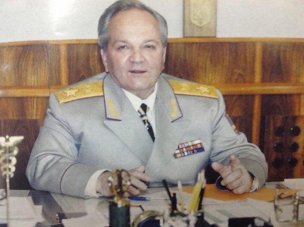Леонид Деркач