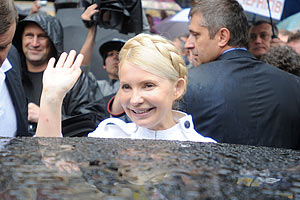 Тимошенко завтра опять придет в суд. Но уже к Луценко