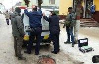 Трое полицейских задержаны на взятке во Львовской области