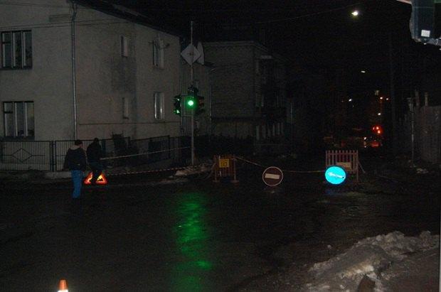 ВТернополе взорвался люк сгазом, есть пострадавшие