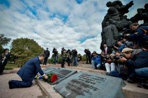 Порошенко обещает не допустить фашизма в Украине