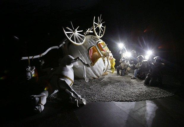 """У Великобританії відкрили найбільшу виставку стріт-арту """"Бенксі-ленд"""""""