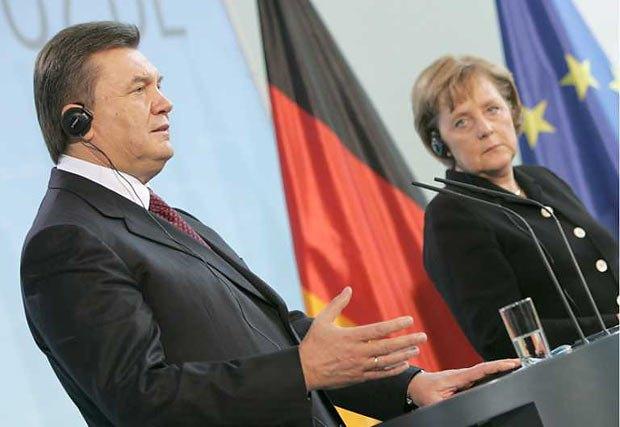 З Януковичем Меркель менш привітна, ніж з Путіним