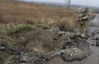 Военный получил ранение при обстреле в Луганской области