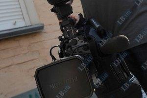 Во время драки с милицией у суда пострадал телеоператор