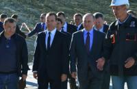 Медведев написал, а затем удалил двусмысленный статус о Крыме в своем Twitter
