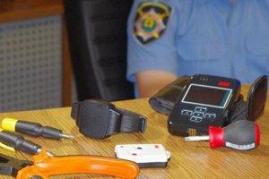 Милиционеров не ознакомили с тонкостями работы электронных браслетов
