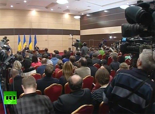 Янукович: меня никто не свергал, я уехал сам