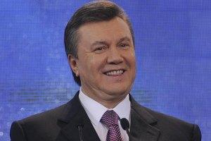 Янукович пытался незаметно пройтись по Киеву