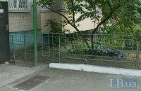 В Киеве мужчина выпрыгнул из окна чужой квартиры на восьмом этаже