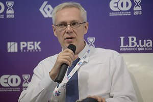 Украина должна развиваться сама, без оглядки на Европу, - мнение