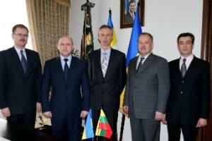 Литва готова поделиться с Украиной опытом создания финансовой полиции