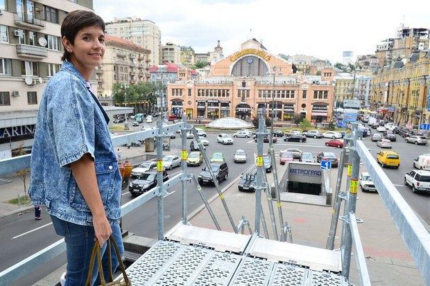 У Києві встановили сходи до постаменту, на якому стояв пам'ятник Леніну (фото)