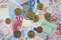 НБУ сократил объем покупки валюты на аукционах
