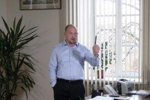 Новоизбранный нардеп устроил погром в кабинете полтавского мэра