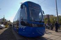 В Киев доставили на обкатку польский трамвай Pesa