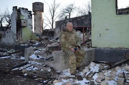 Губернатор Москаль в разрушенной Новотошковке