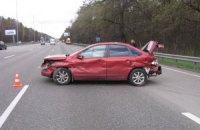Перелякана автомобілістка врізалася у відбійник на Бориспільській трасі