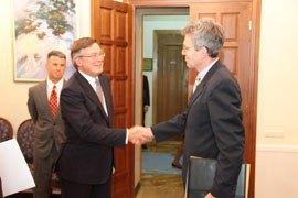 США: Янукович ответственный за все происходящее в Украине