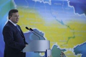 Янукович принял участие в литургии по погибшим шахтерам