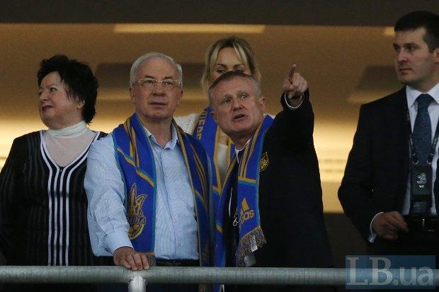 Премьер-министр Николай Азаров и президент ФФУ Григорий Суркис