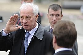 Азаров приказал разыскать Черновецкого