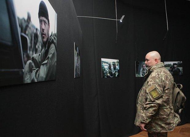 У Києві відкрилася фотовиставка загиблого бійця АТО (фото)