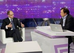 Яценюк призвал оппозицию не идти на выборы, если не выпустят Тимошенко