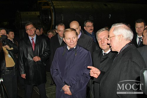 «Южмаш» также посетил экс-президент Украины Леонид Кучма