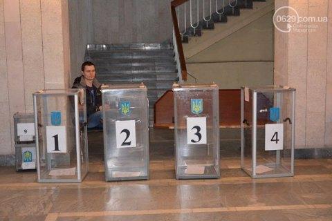 В Мариуполе и Красноармейске проходят очередные местные выборы