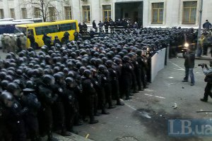 В Украине завтра могут ввести чрезвычайное положение