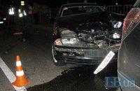 У Києві БМВ врізався в джип, є потерпілі