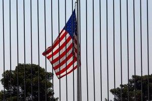 США призывают вывести войска из центра Киева