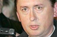 Мельниченко уже мечтает ввести военное положение после победы на выборах