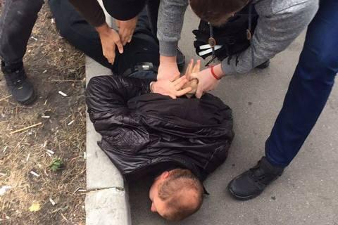 """На Киевской областной таможне провели задержания среди """"ореховой мафии"""""""